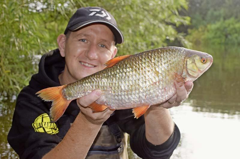Alfie Naylor River Trent record roach 3lb 4oz.jpg