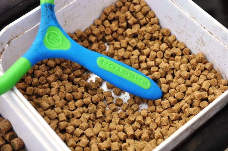 Blown 4mm feed pellets.jpg