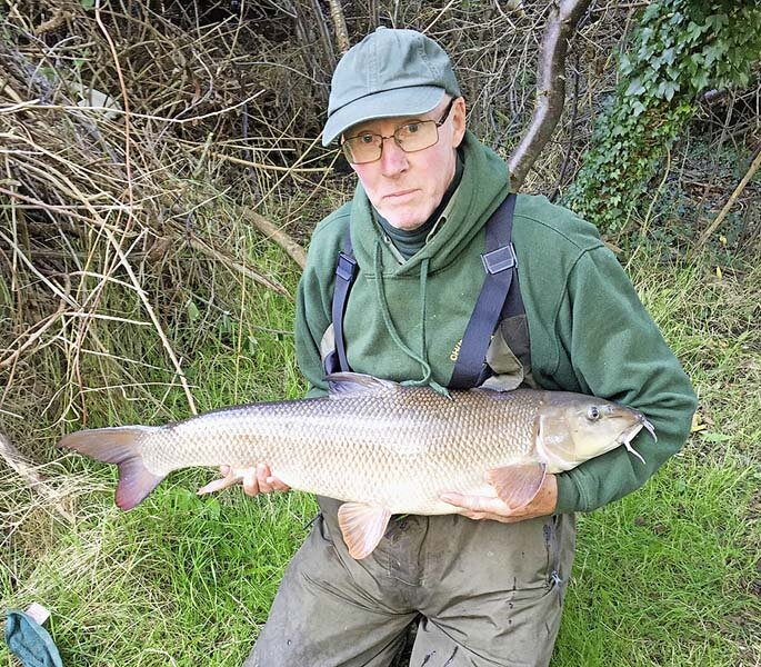 Mike Staines 16lb 12oz barbel.jpg