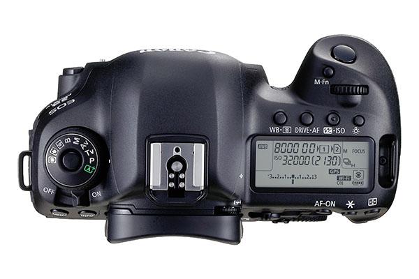 EOS 5D Mark IV TOP.jpg
