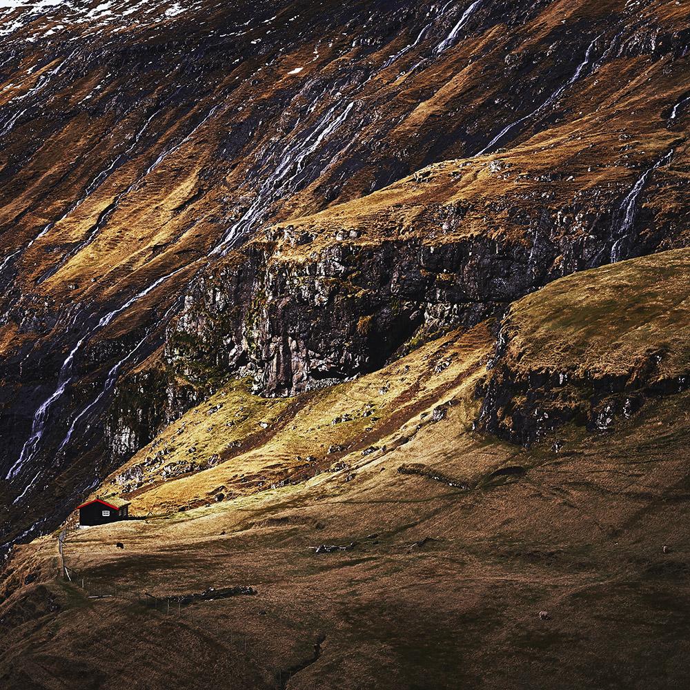 Vulnerable Saksun The Faroes L.FA10(0228)37.jpg