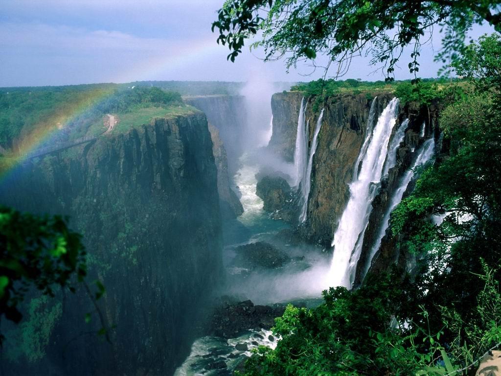Victoria%20Falls-Zimbabwe.JPG