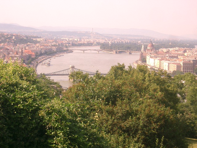 View%20from%20Gellert%20Hill,%20overlooking%20Budapest.JPG