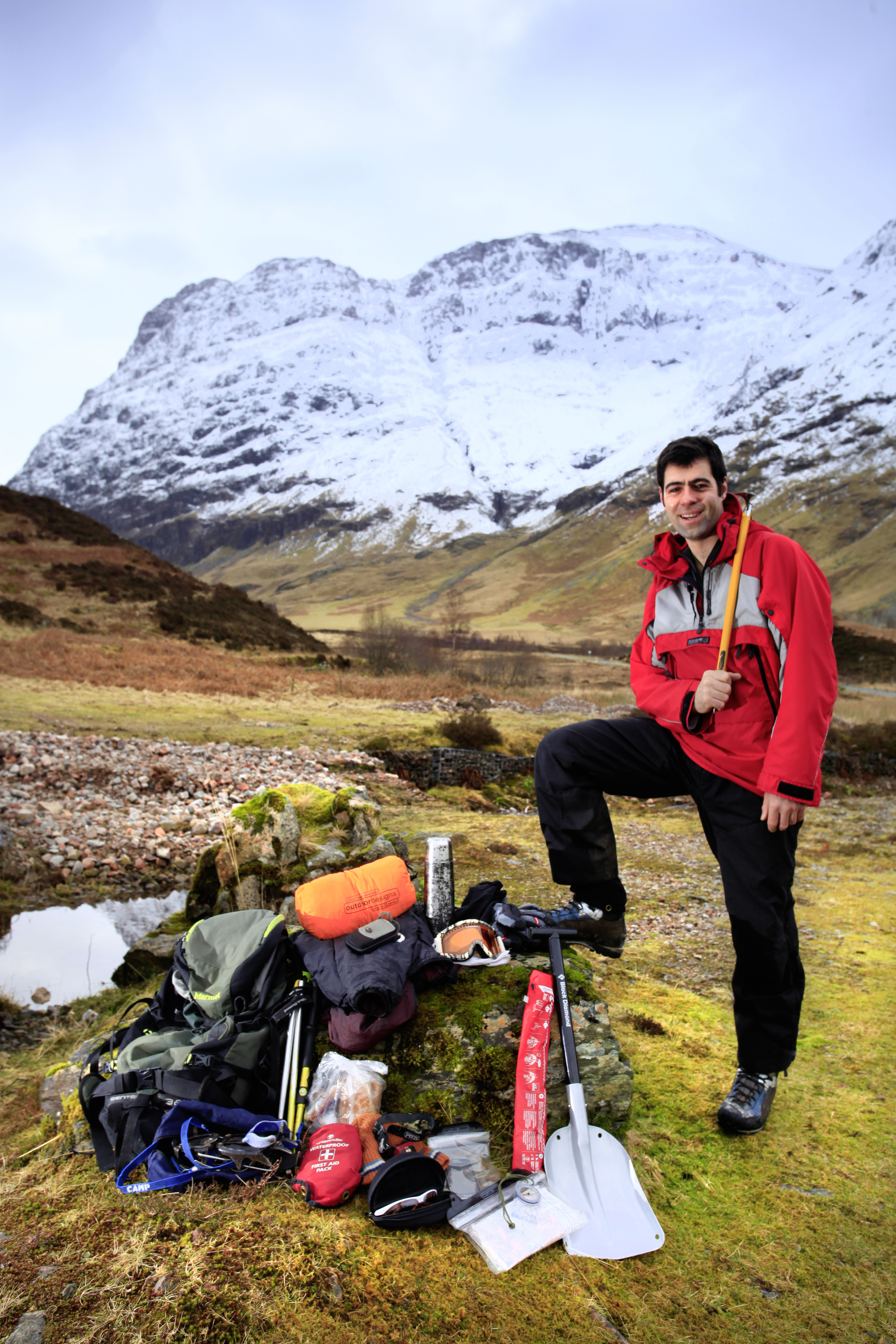 Huw Gilbert MIC spills the secrets of his rucksack in Glen Coe.  Photo : Tom Bailey / Trail Magazine