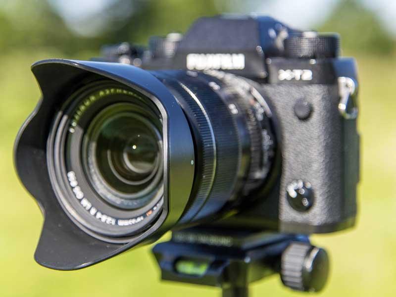 4-tip-13-Lens-hood.jpg