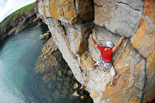 Sea-cliff climbing in Pembrokeshire. Photo: Alex Messenger.