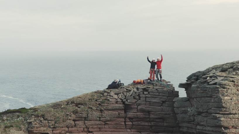 Jesse and Molly celebrating the first lead climb of the Old Man of Hoy (©Alastair Lee/Brit Rock Film Tour 2019)