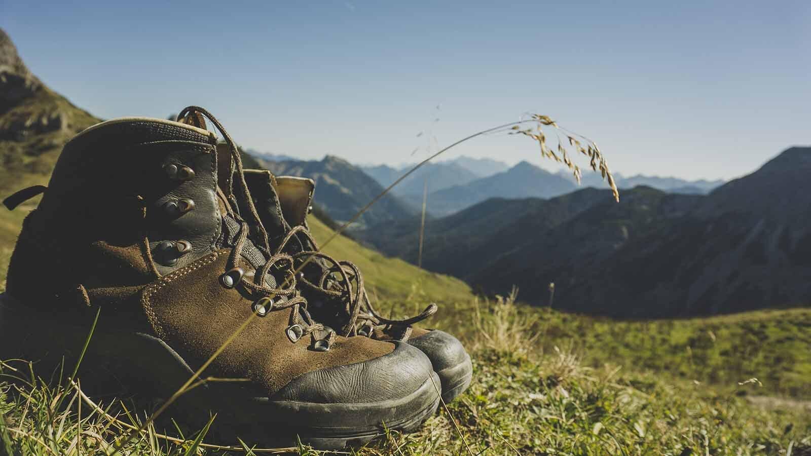 best_walking_boots.jpg
