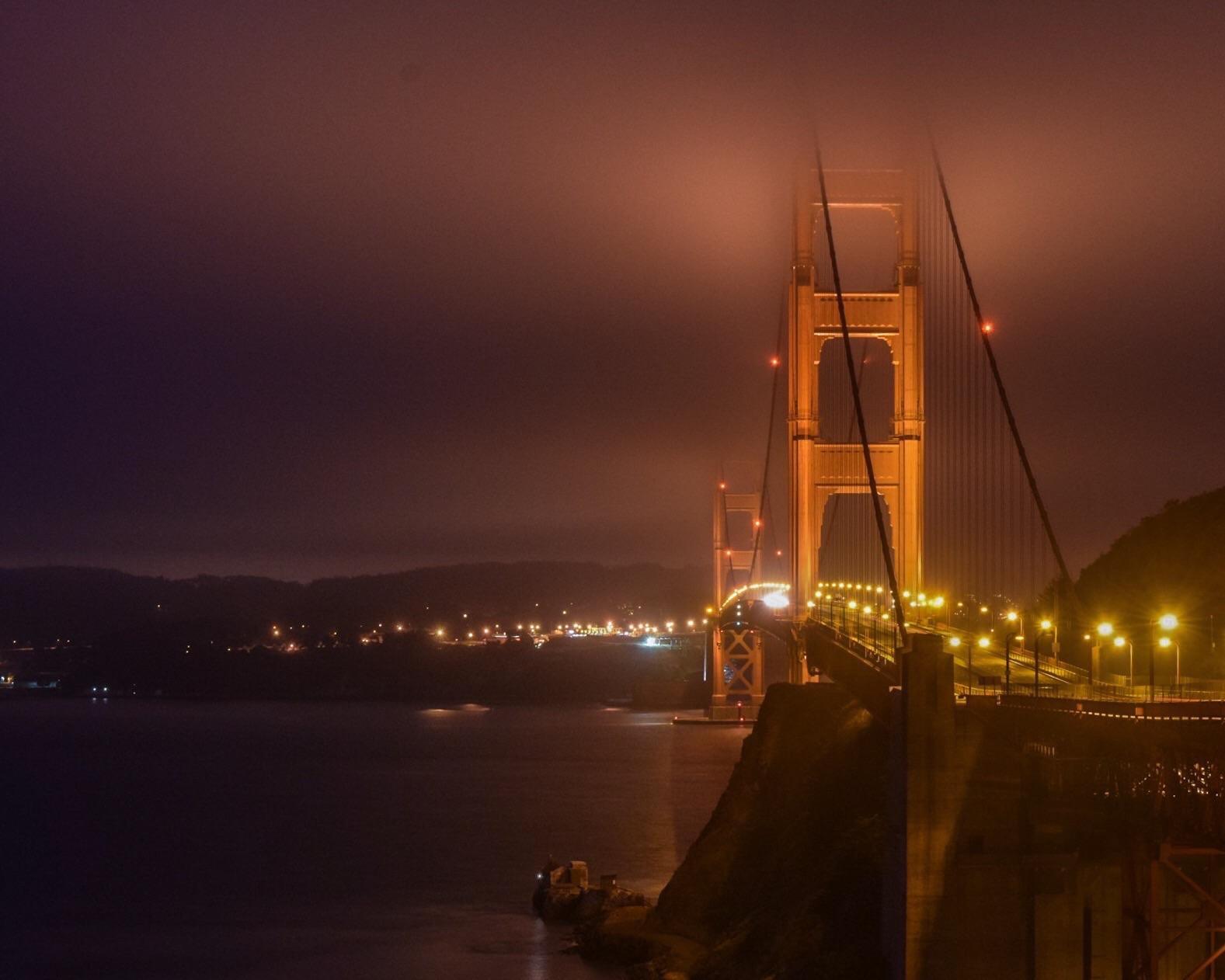 San Francisco - Fog rolls in