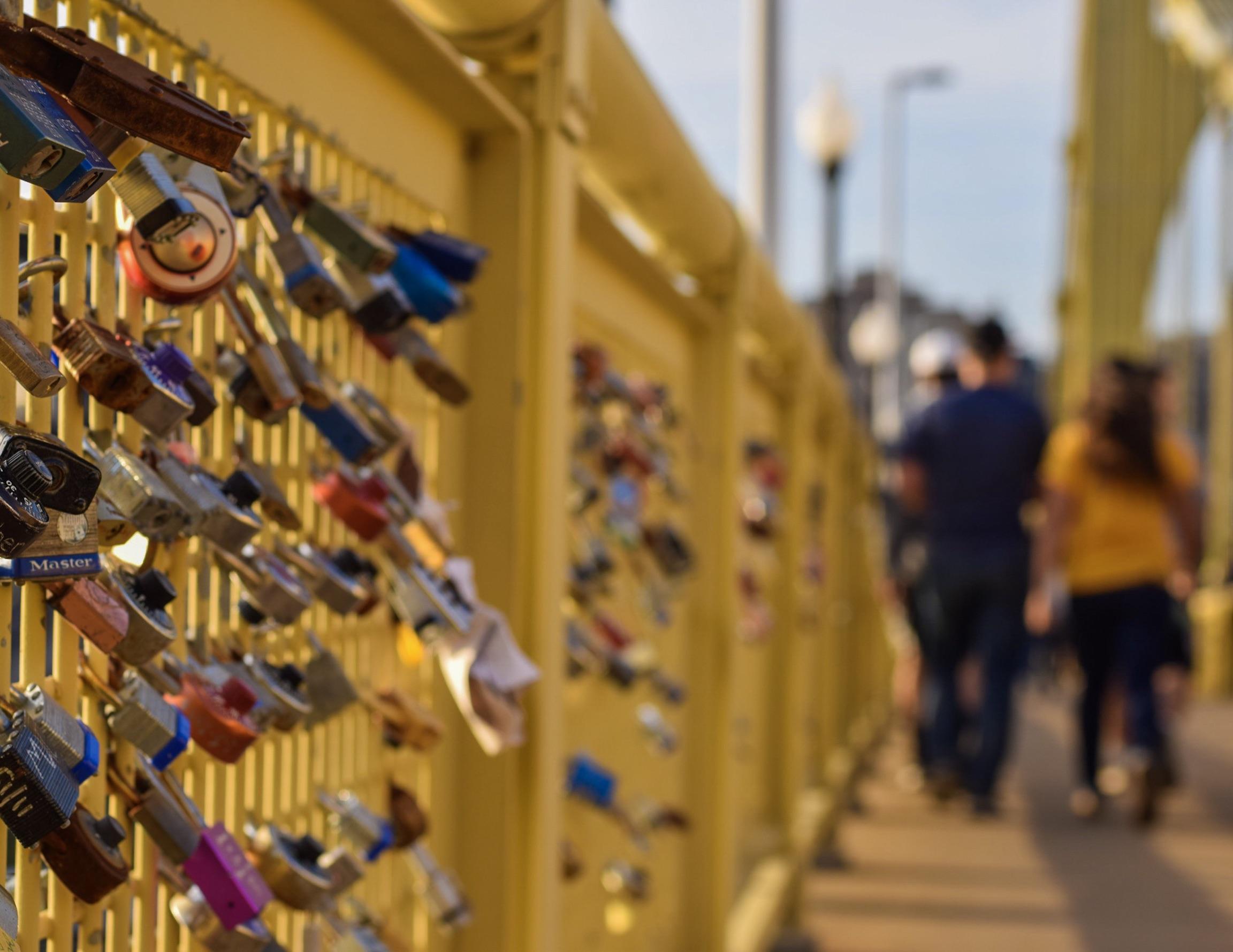 Love locks on the 6th Street Bridge