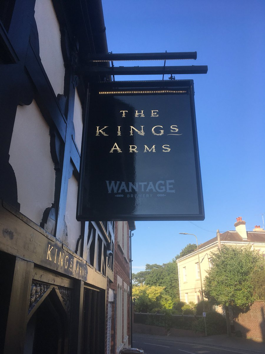 kings arms sign.jpg
