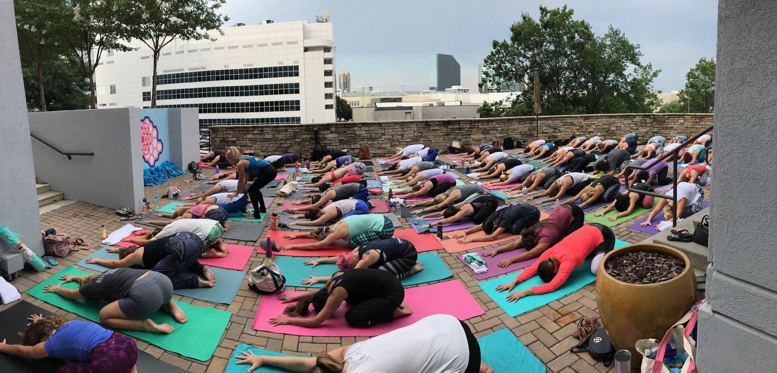 W Yoga Group Photo with @carlygraceyoga