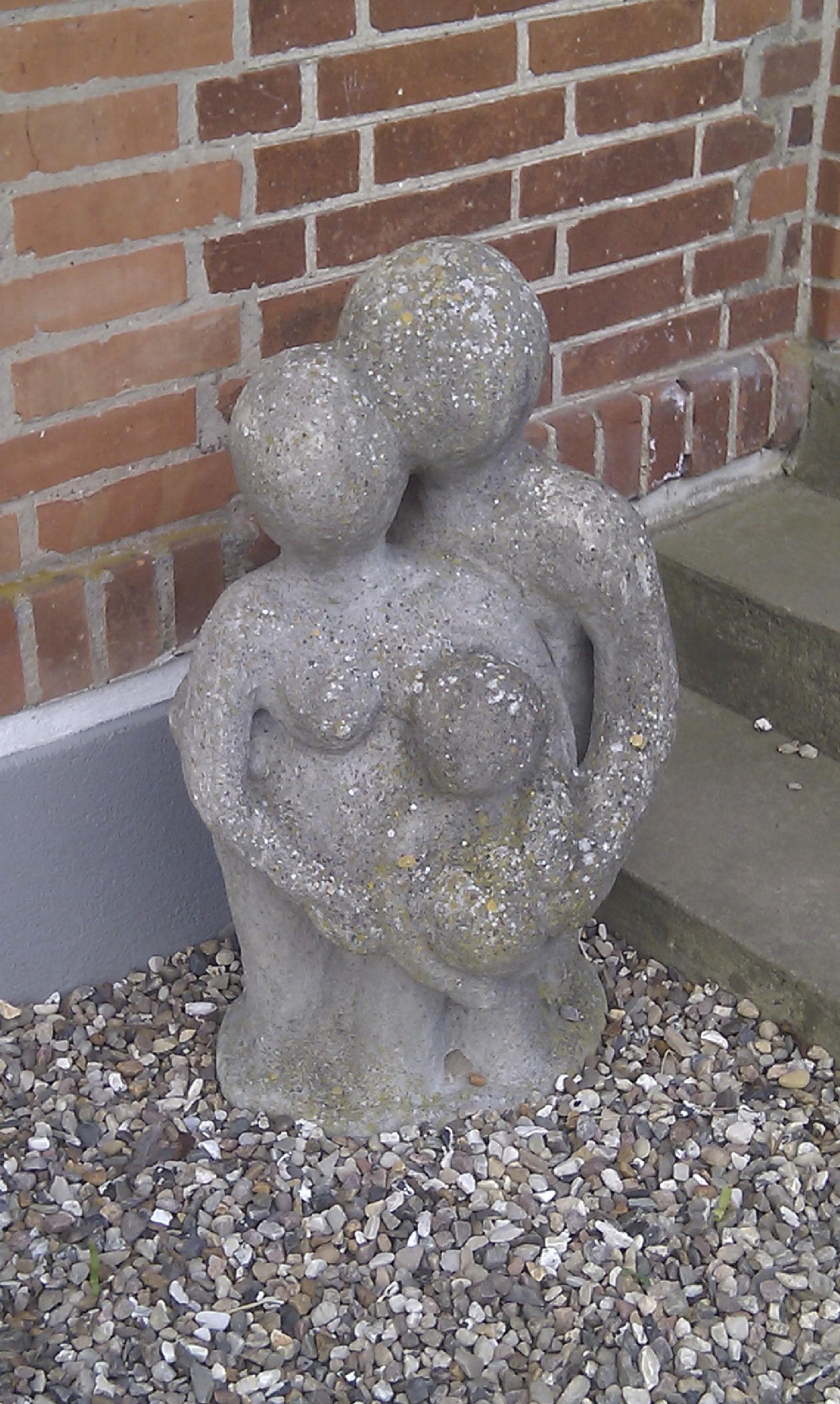 Den lille familie - et portræt i beton.jpg