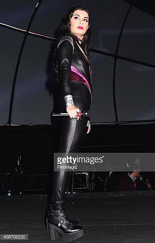 Charli XCX, 2014 MTV Europe Music Awards Performance