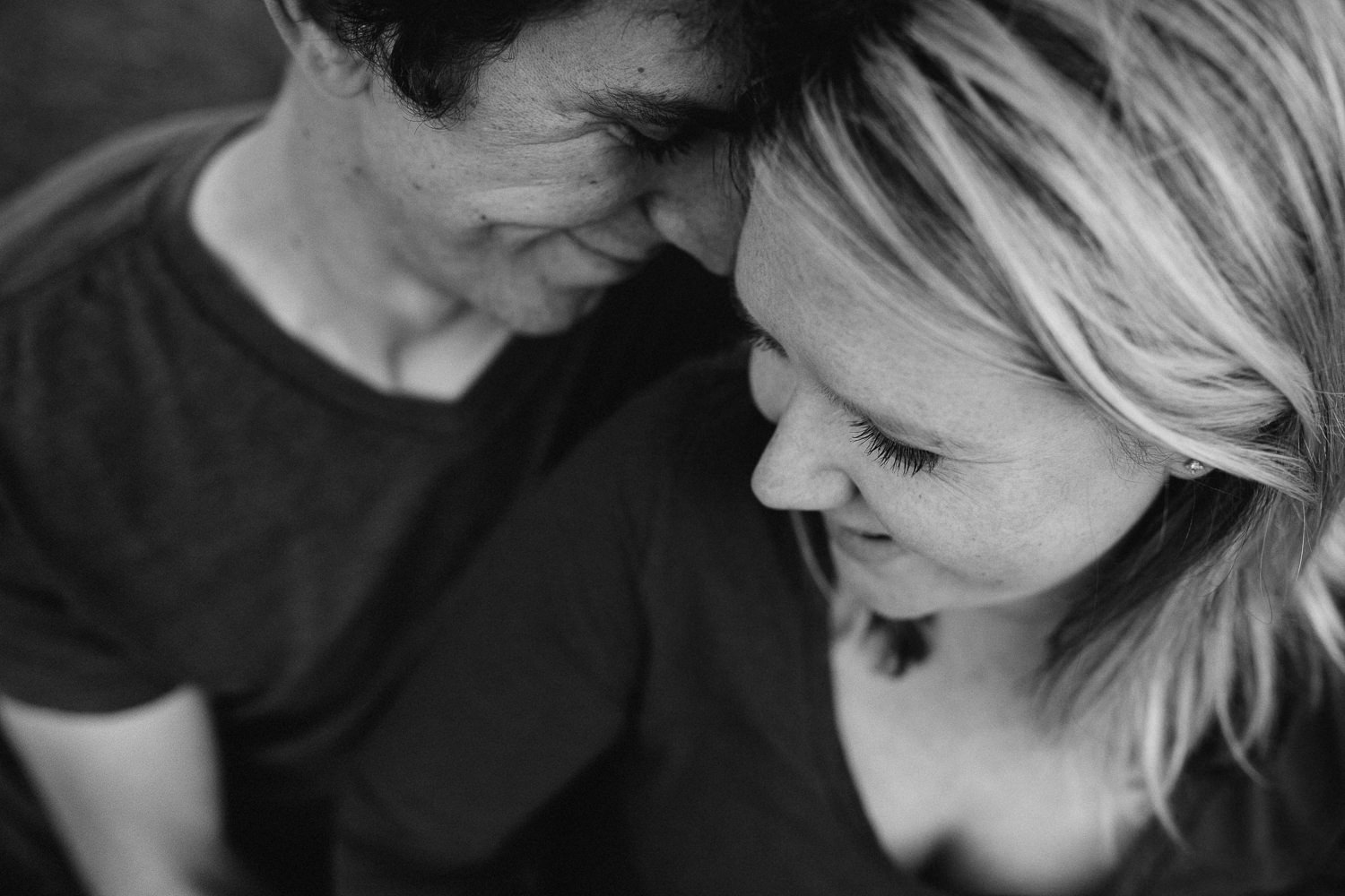 husband and pregnant wife embrace - Stouffville Maternity photographer