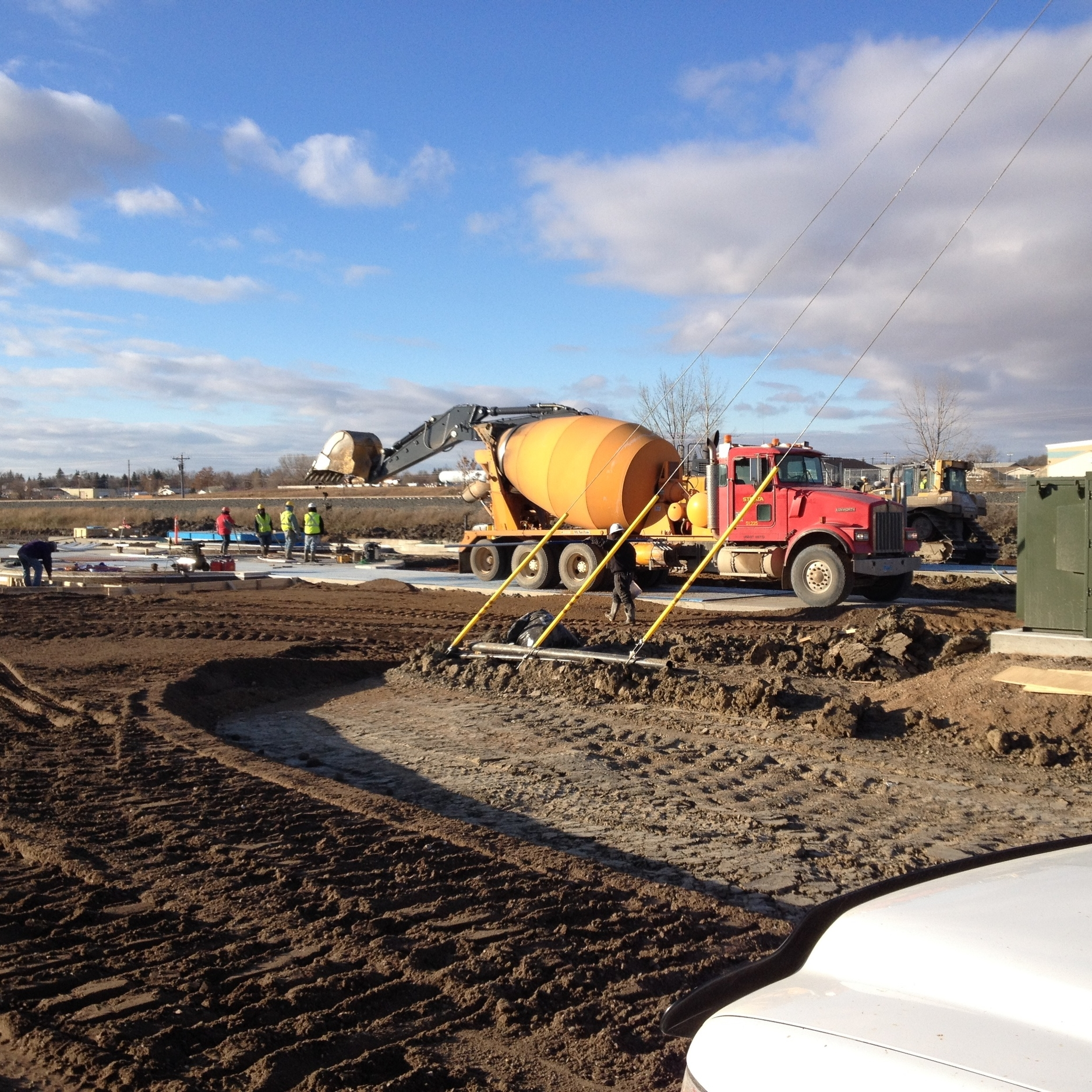 #12- Last minute pour at Unimin-ops building and between silos.JPG