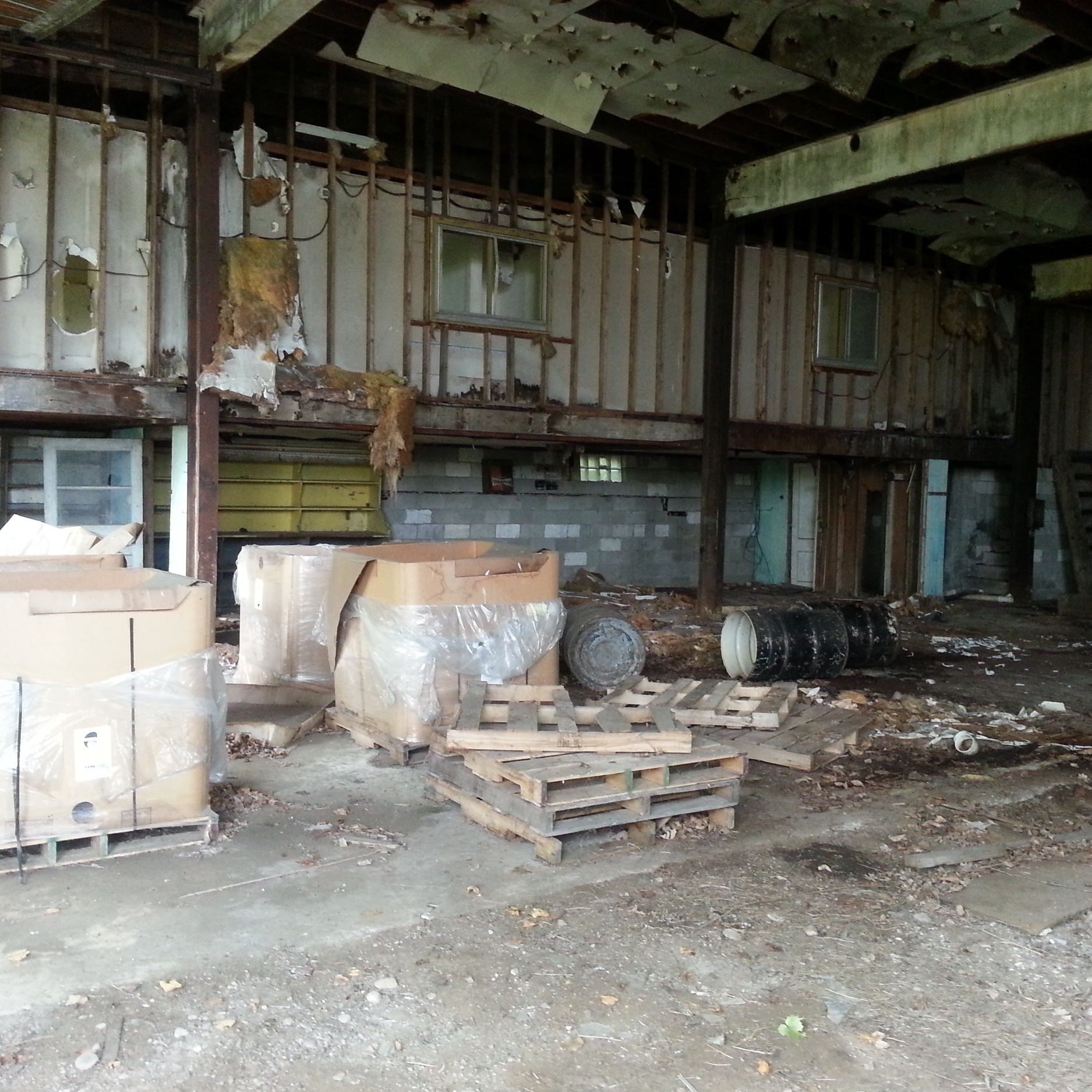 Byron_metalshed_contents.jpg