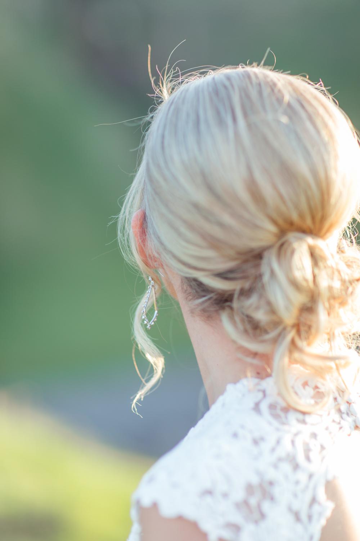 loose blond wedding hair bun