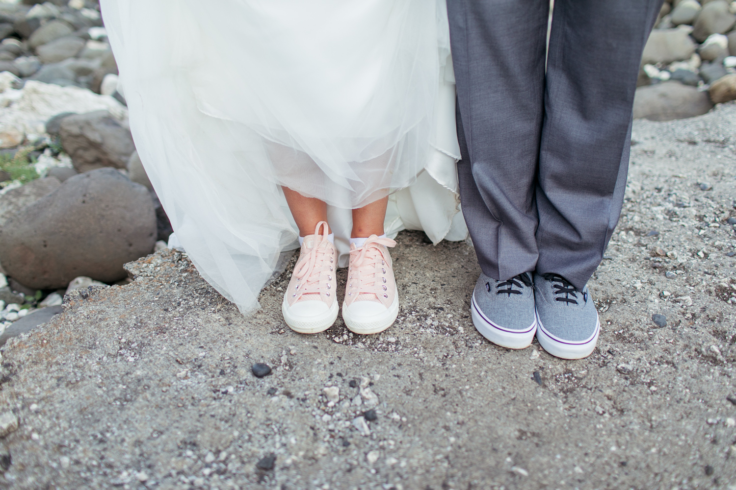 bride and groom shoes pink converse for the bride and grey converse for the groom