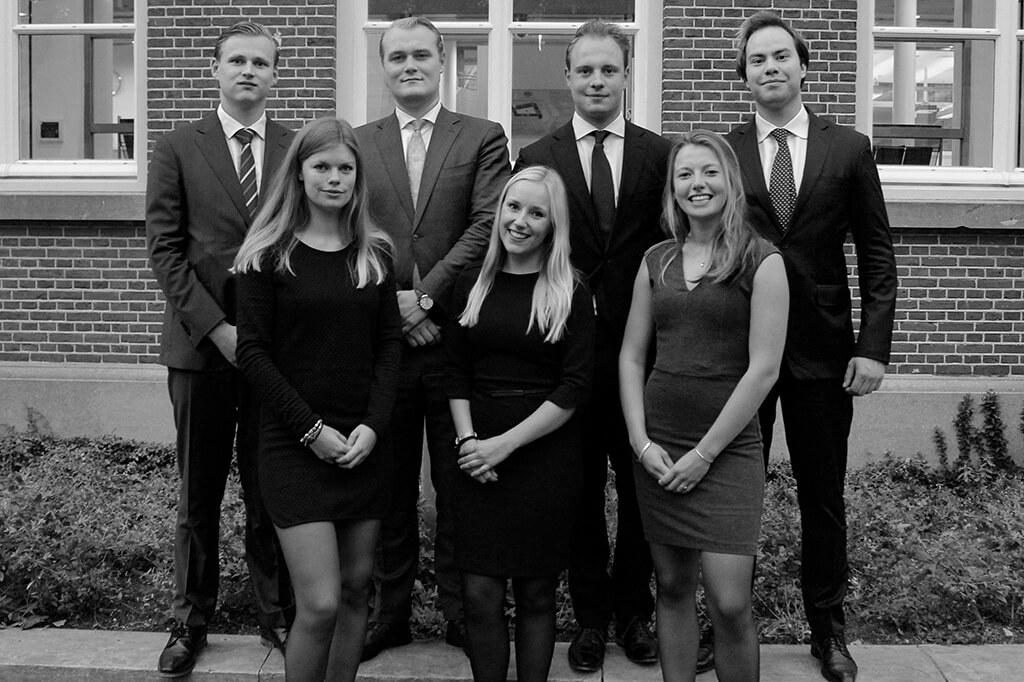 SBR Leiden Bestuur 2016 Pak Student Bestuur Vereniging De Oost Bespoke Academy.jpg