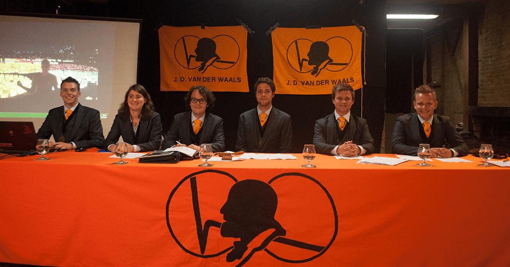 Van+der+waals Pak Student Bestuur Vereniging De Oost Bespoke Academy.png