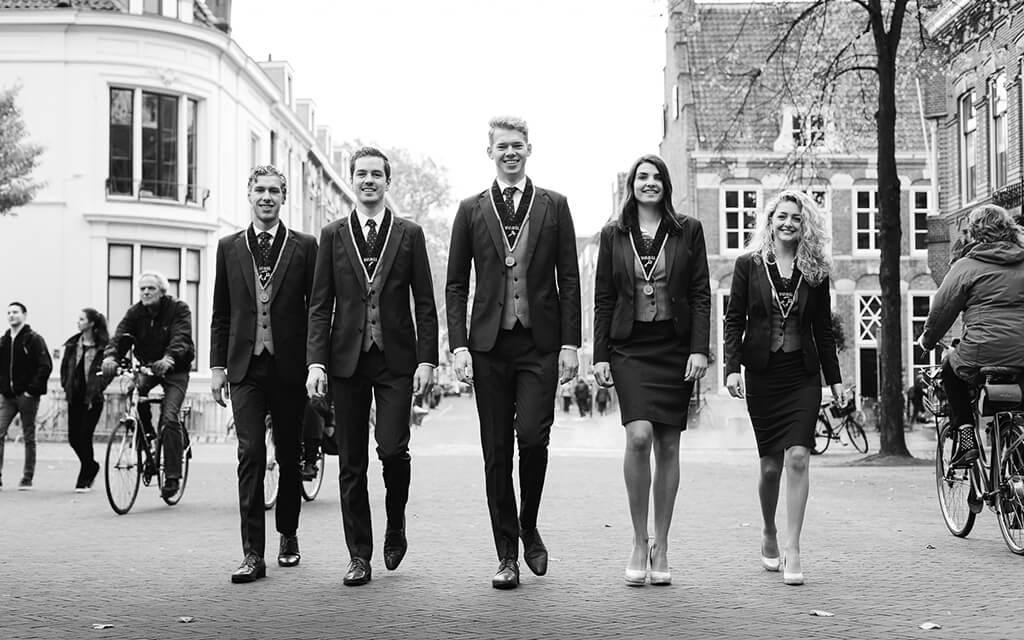 VGSU Bestuur 2017 Pak Student Bestuur Vereniging De Oost Bespoke Academy.jpg