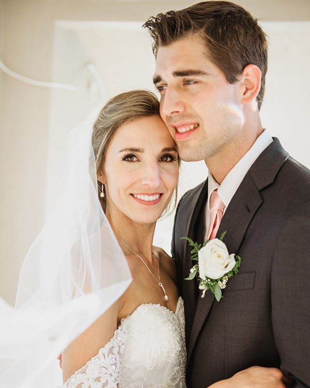 How stunning are these 2?! Still daydream of their gorgeous day!