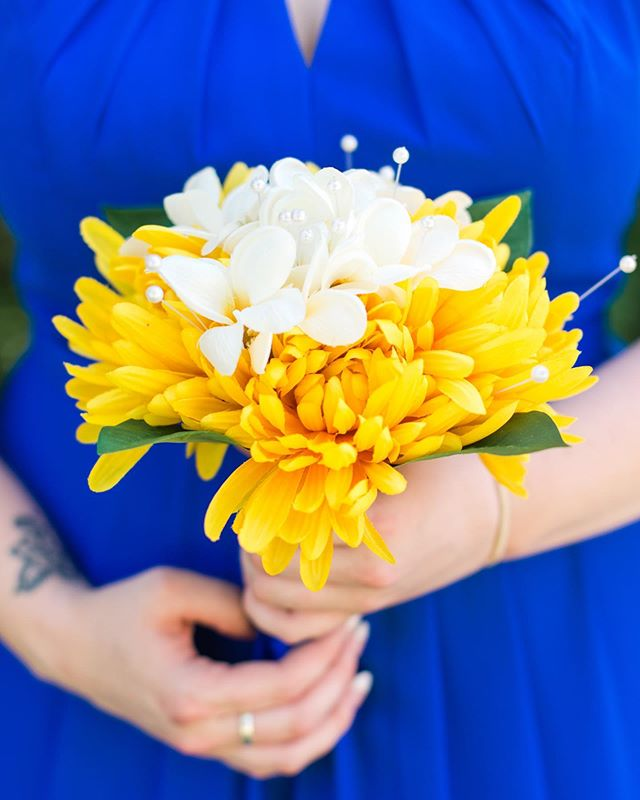 The last wedding I did the brides friends and family made the bouquets!  These were a prime example of keeping your floral prices down but them still looking beautiful! 💛