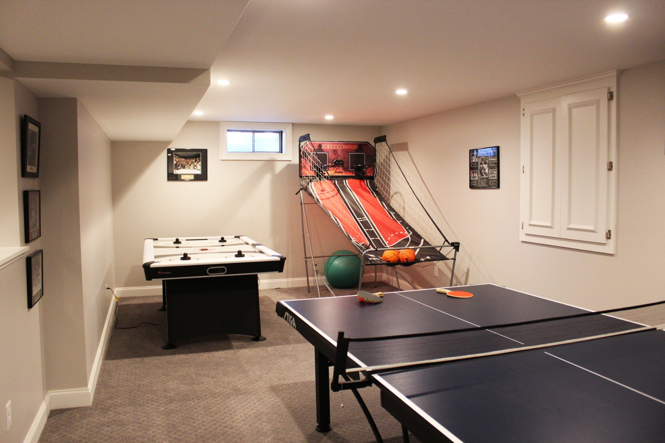 game room at the residences at black rock
