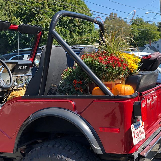 Summer heat for the first day of fall 🍁 #firstdayoffall #jeepcj5 #fallinnewengland #southshore #tmsullivanconstruction