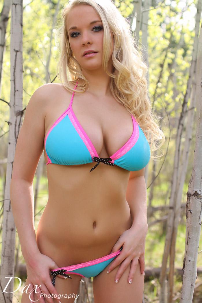 wpid-Hooters-bikini-photography-21.jpg