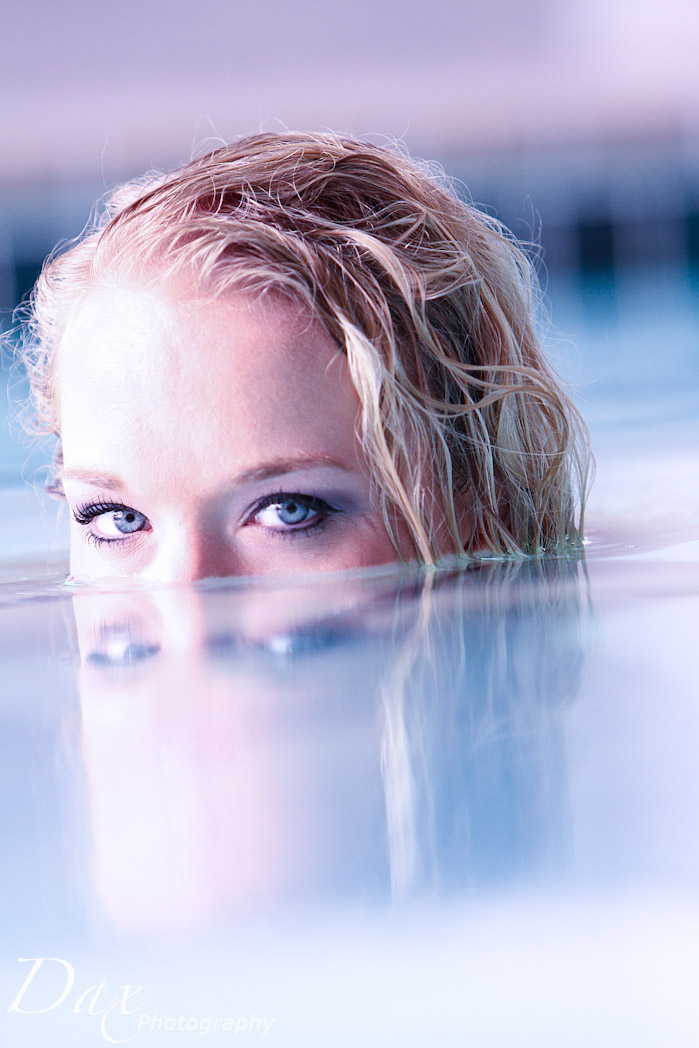wpid-Hooters-bikini-photography-7462.jpg