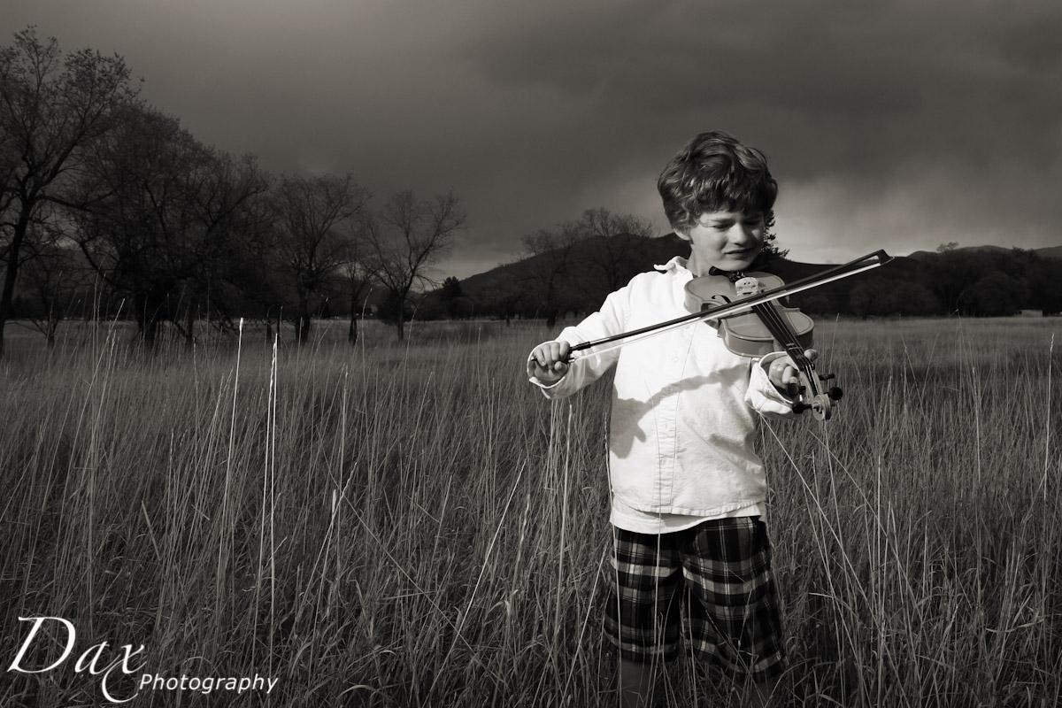 wpid-Child-with-violin-.jpg