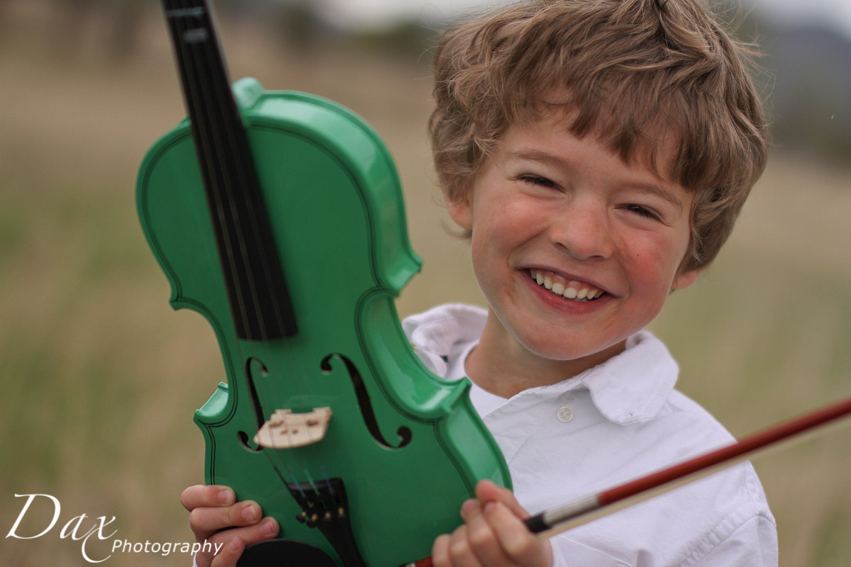 wpid-Child-with-violin-4799.jpg