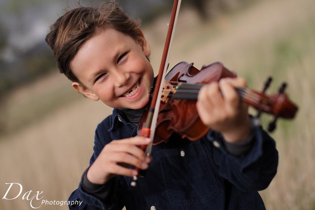 wpid-Child-with-violin-4838.jpg