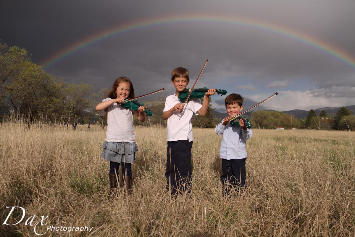 wpid-Child-with-violin-2971.jpg