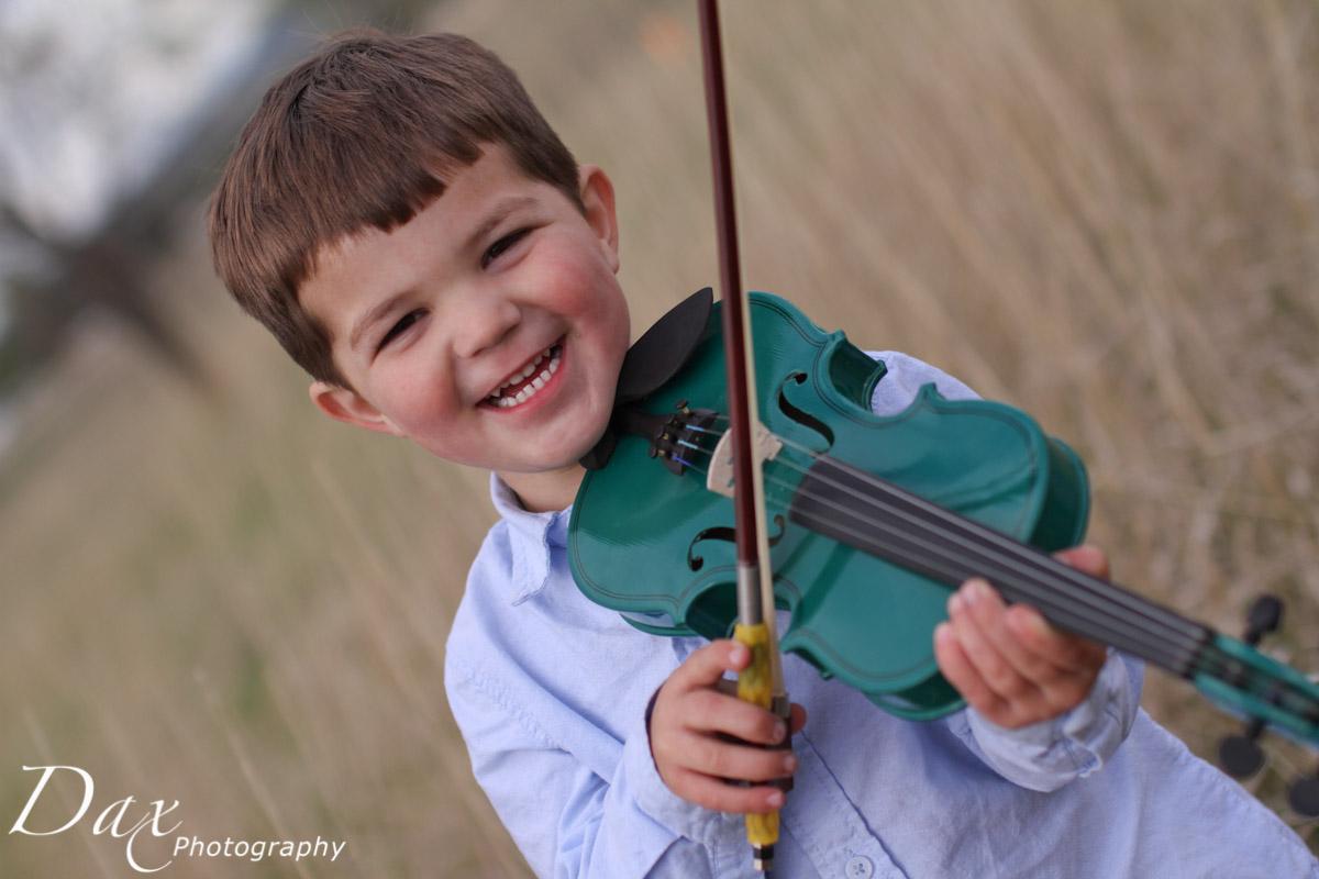 wpid-Child-with-violin-5506.jpg