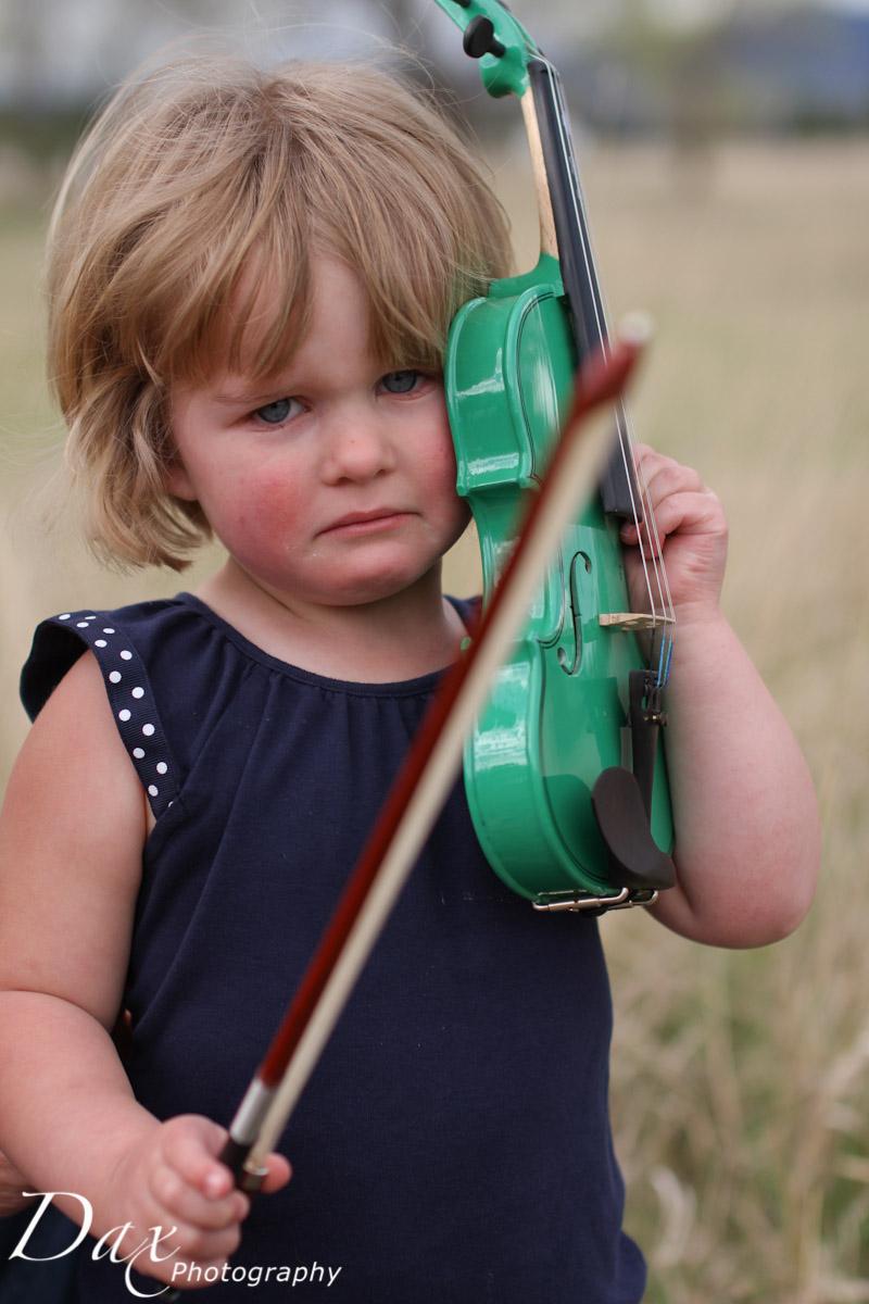 wpid-Child-with-violin-5783.jpg