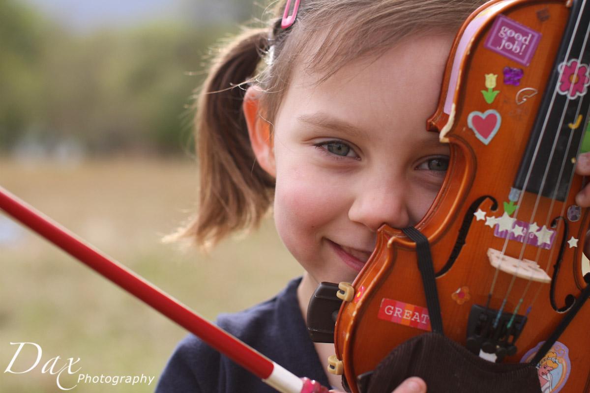wpid-Child-with-violin-6275.jpg