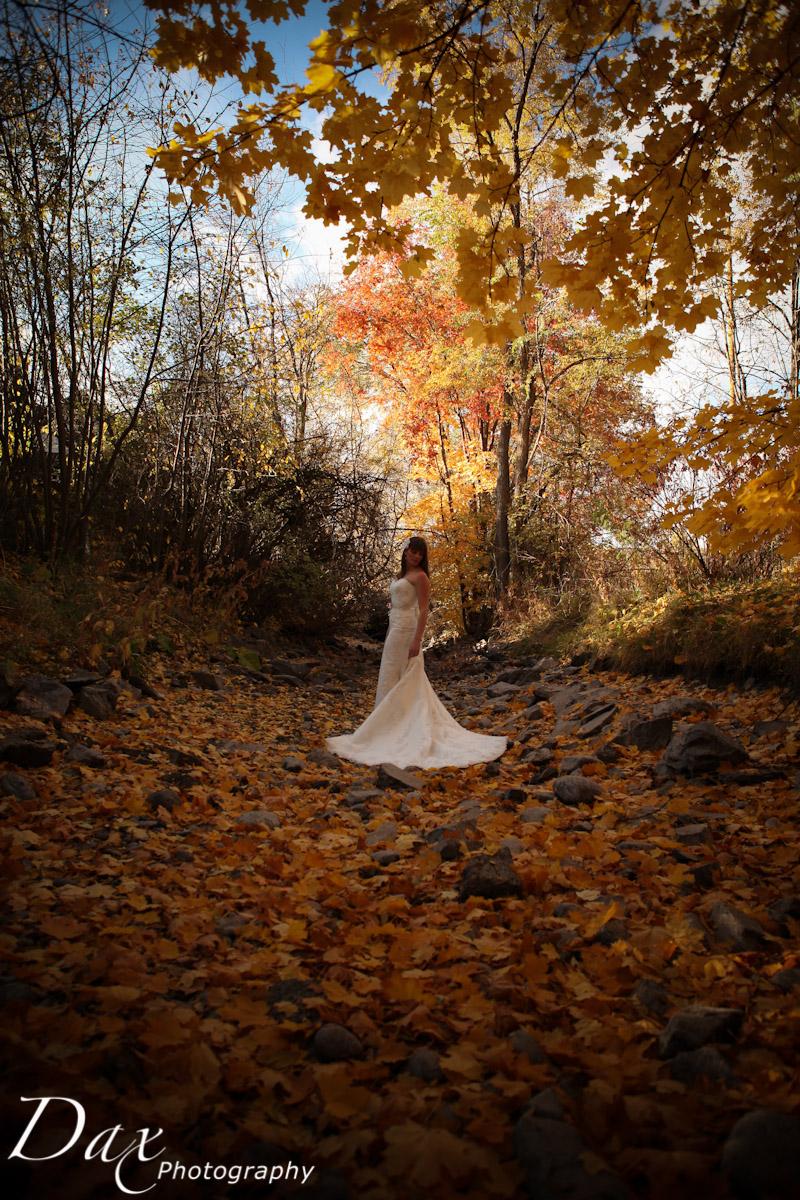 wpid-Trash-the-dress-in-the-fall-8134.jpg