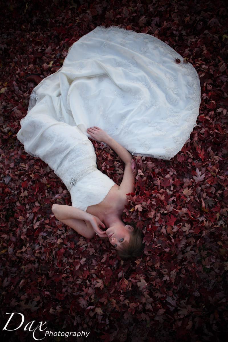 wpid-Trash-the-dress-in-the-fall-9022.jpg