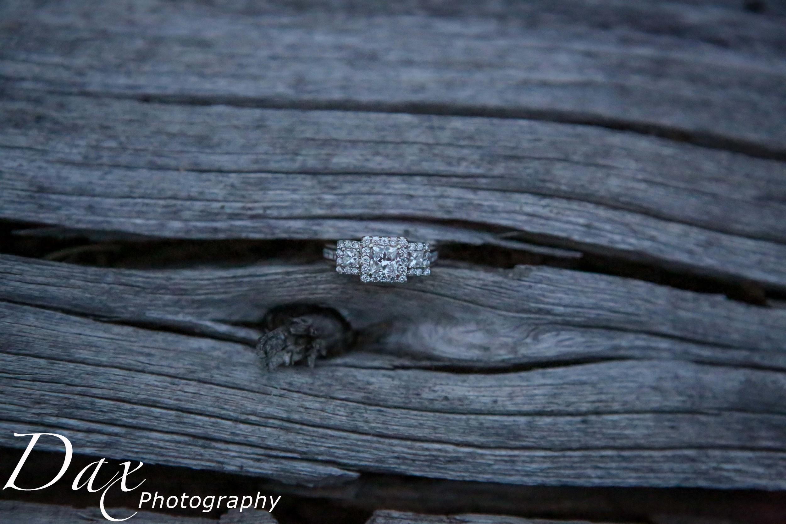 wpid-Montana-photographer-Engagement-Portrait-56291.jpg