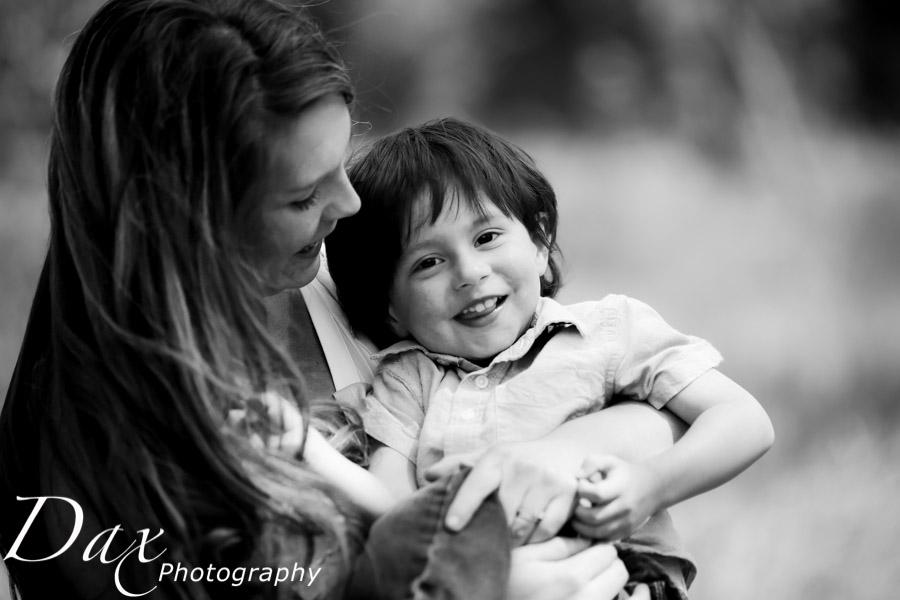 wpid-Family-Portrait-Photographers-Missoula-Montana-Dax-3068.jpg