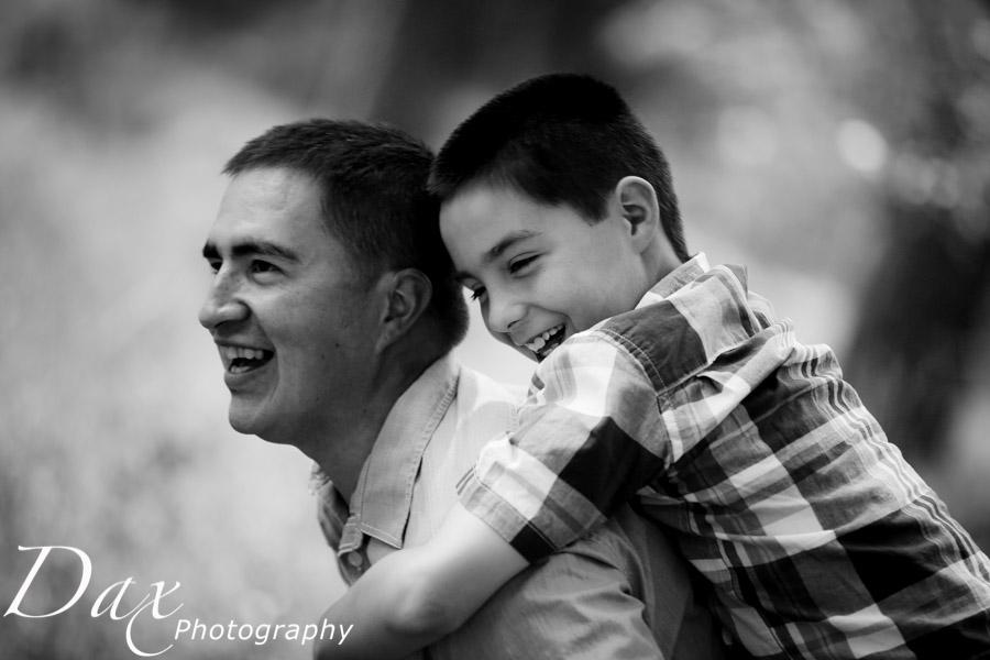 wpid-Family-Portrait-Photographers-Missoula-Montana-Dax-3787.jpg