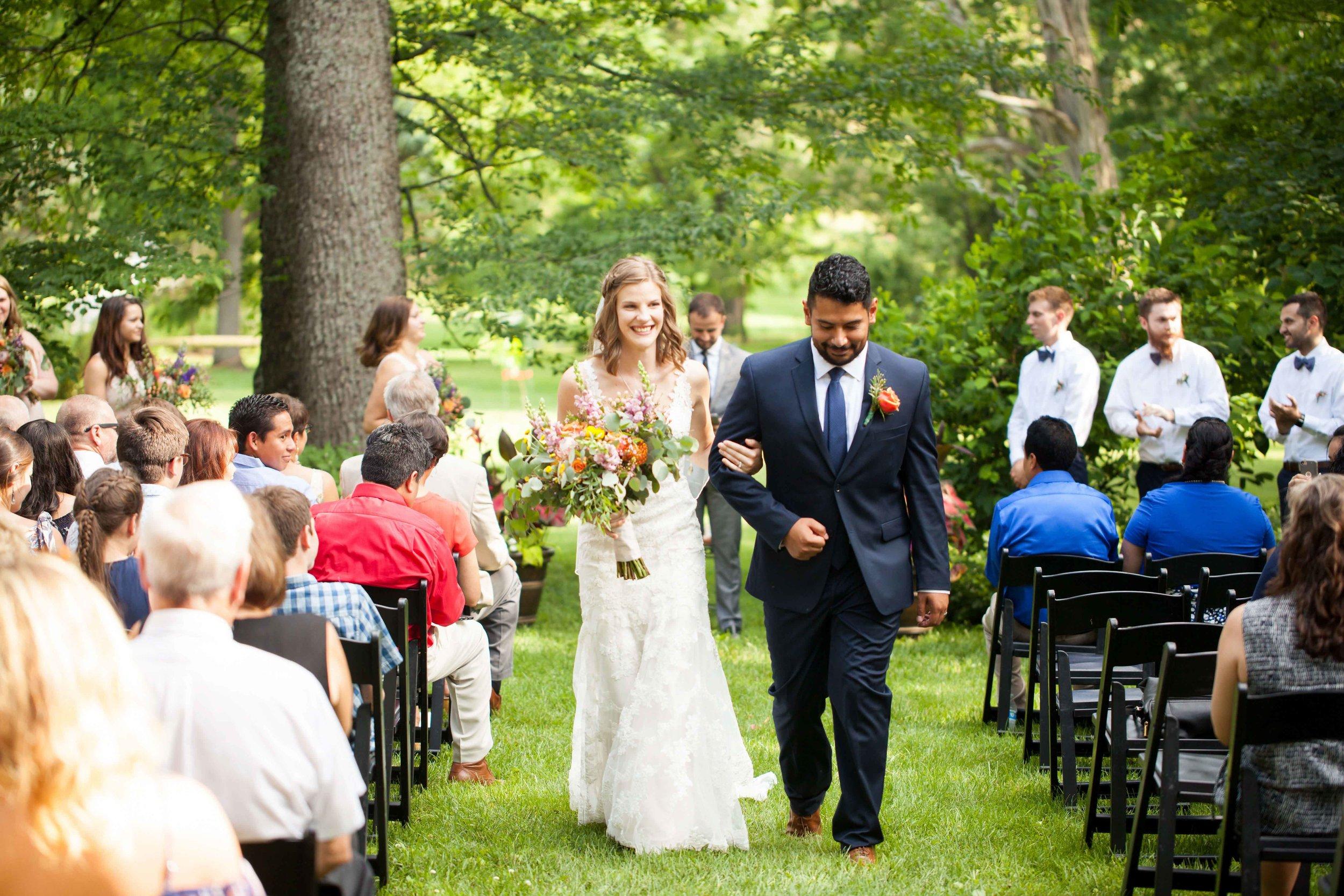 dd cincinnati wedding photographer ceremony0014.jpg