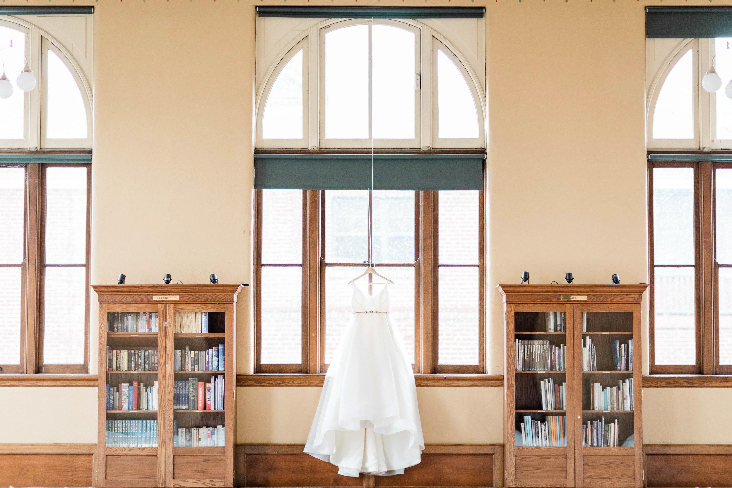 cincinnati wedding photographer carnegie center  (1 of 11).jpg