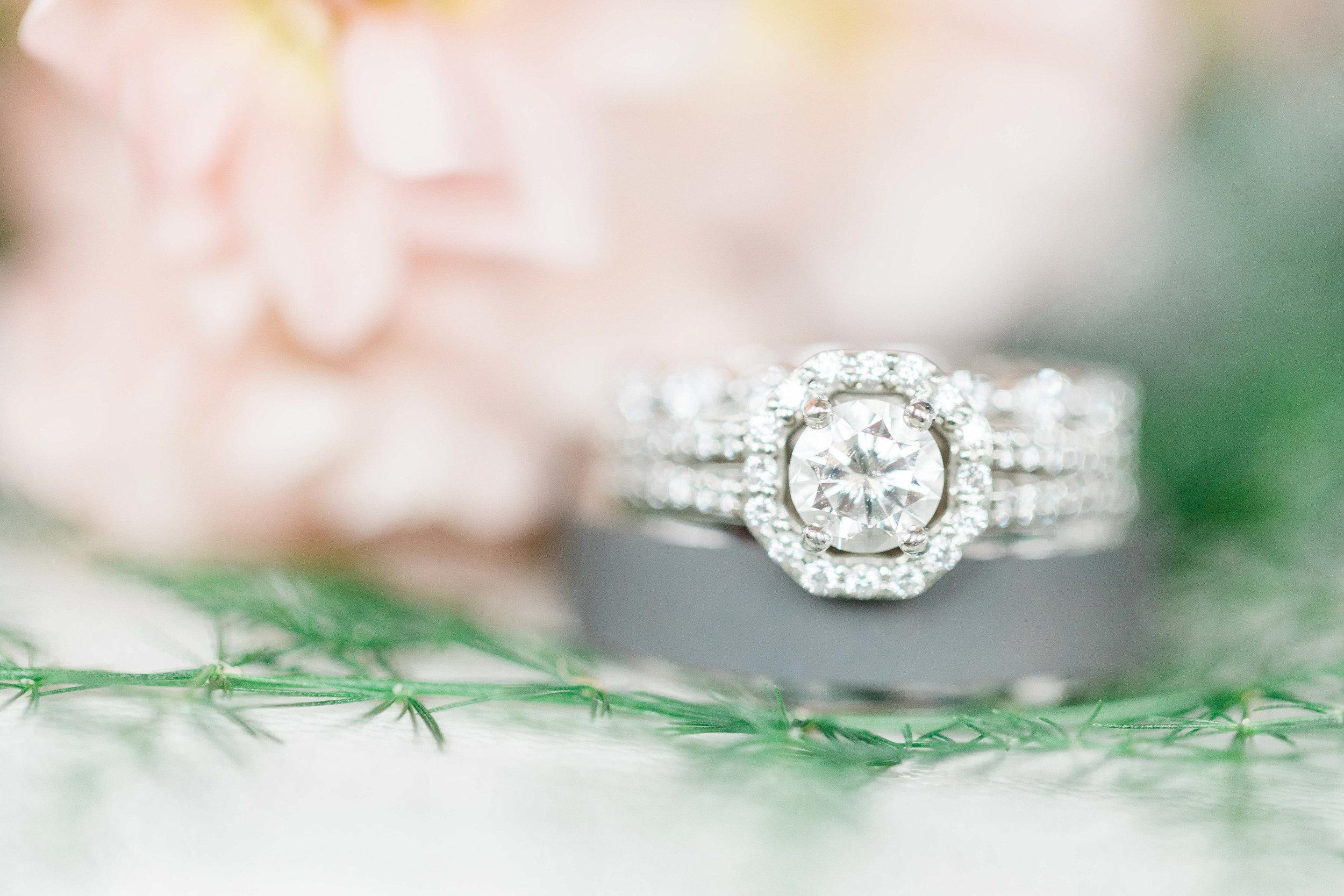 cincinnati wedding photographer carnegie center  (3 of 11).jpg
