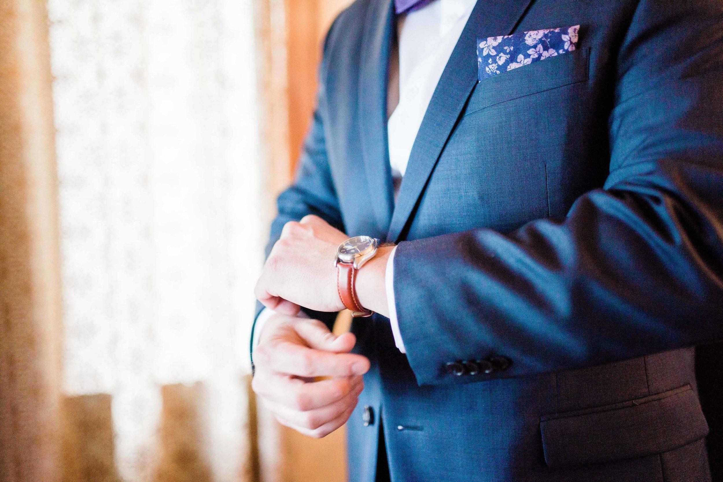 cincinnati wedding photographer carnegie center  (7 of 11).jpg