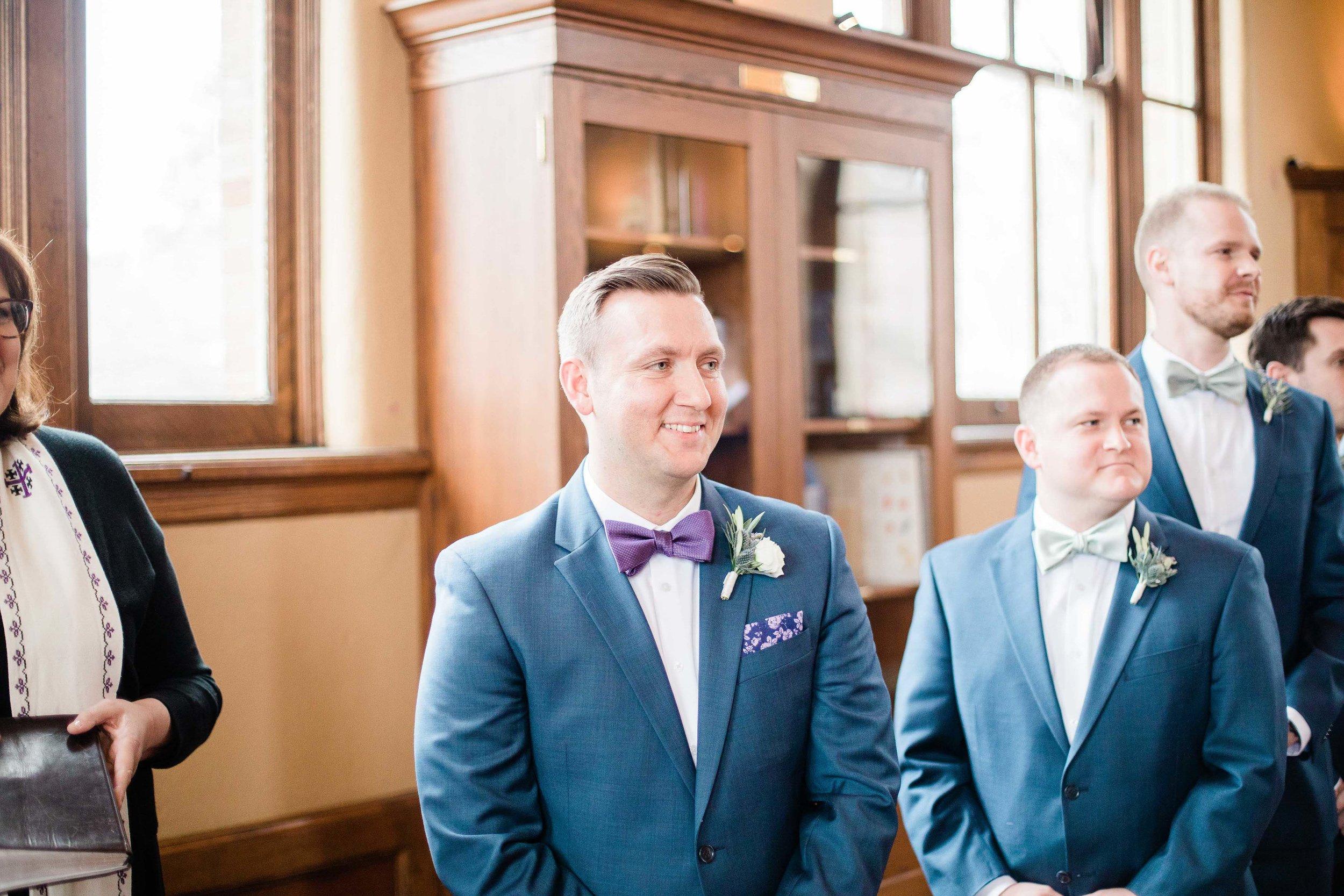 cincinnati wedding photographer carnegie center (1 of 9).jpg
