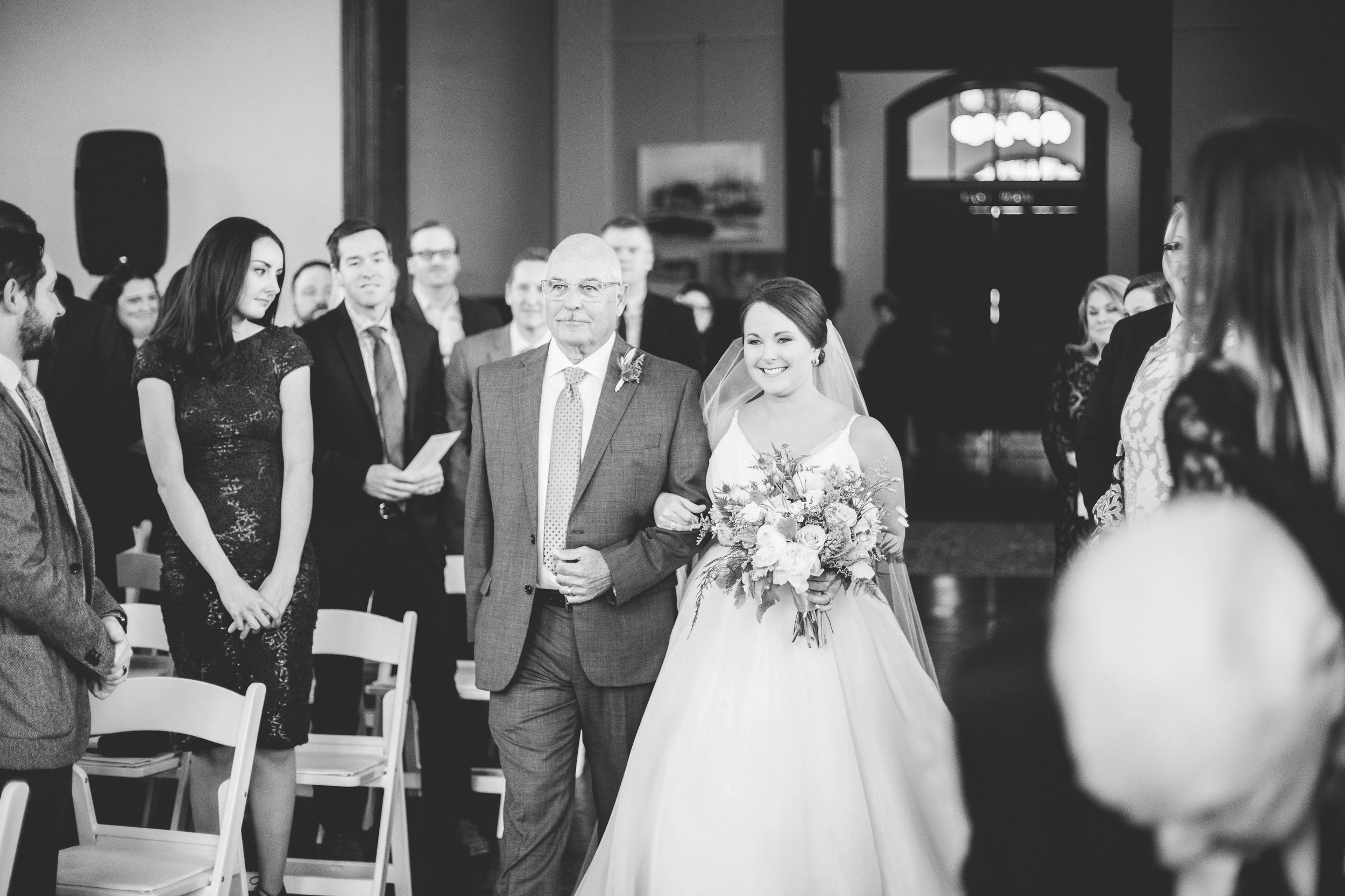 cincinnati wedding photographer carnegie center (4 of 9).jpg